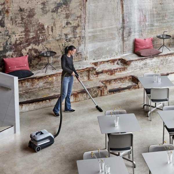 Nilfisk Vp600 Battery Cleaning Restaurant Doctor Vacuum